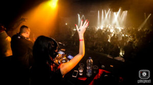 2018-06-16-coredoom-xl-lady-dammage-solo-party-time-out-img_5424