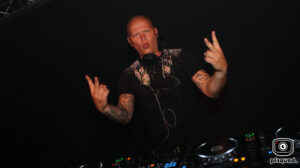2018-06-16-coredoom-xl-lady-dammage-solo-party-time-out-img_6468